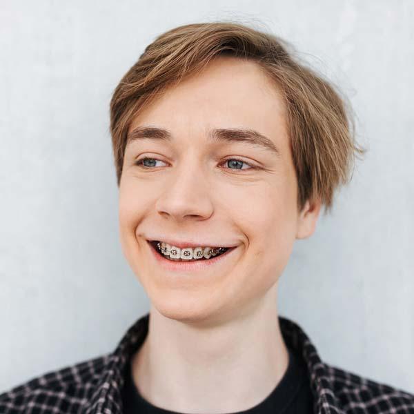 Zahnspange für Jugendliche